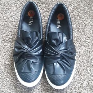 MIA Black Knotted Slip On Sneakers